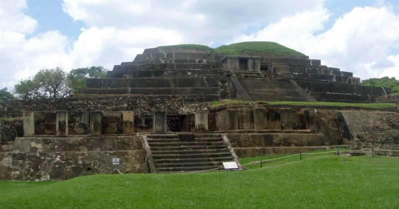 Zona Arqueológica Tazumal, El Salvador