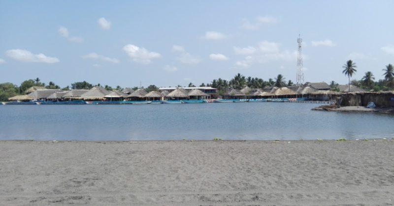 Playa en Barra de San Simón, Chiapas