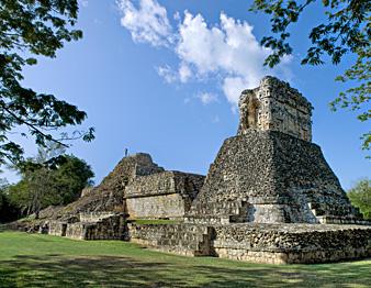 Zona Arqueológica de Dzibilnocac, Campeche