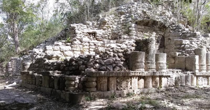Zona Arqueológica Yaxunah, Yucatán
