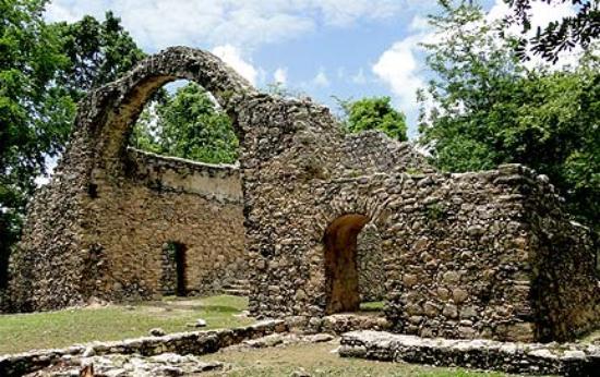 Zona Arqueológica Oxtankah, Quintana Roo