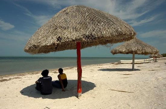 Playa en Isla Arena, Campeche,México
