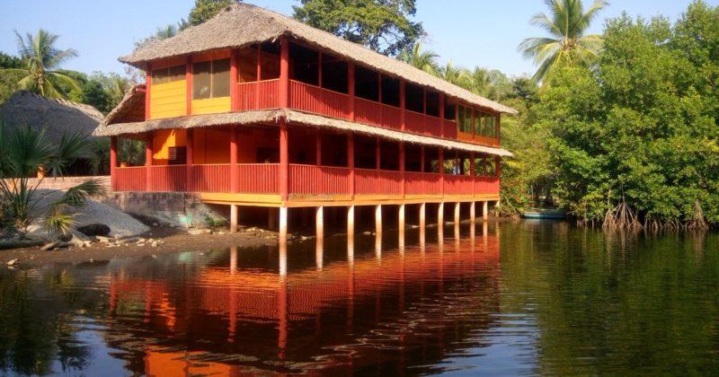 Centro Ecoturístico Indígena «Costa Verde»
