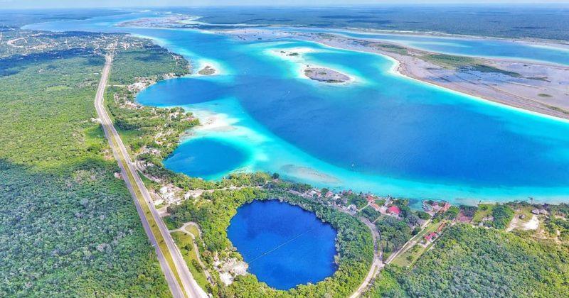 Cenote Azul en Bacalar, Quintana Roo