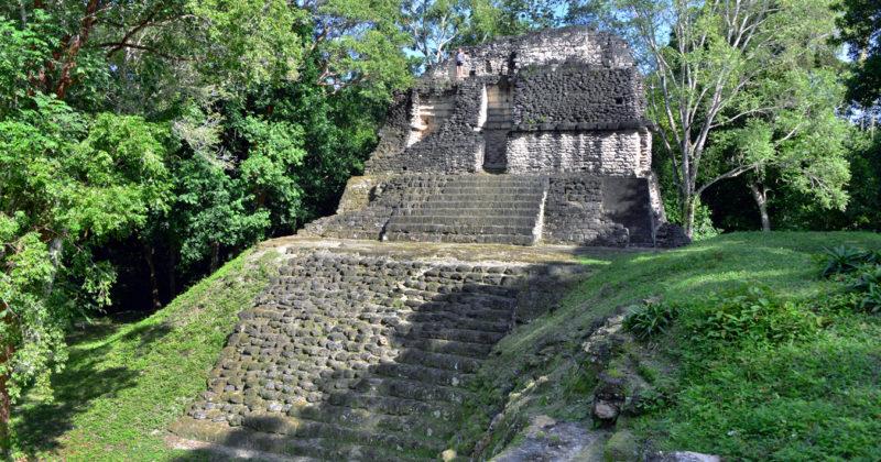 Zona Arqueológica Uaxactún, Guatemala